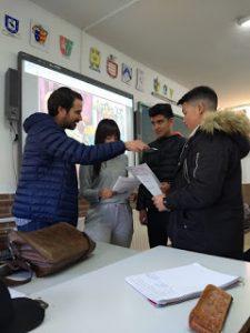 Alumnos grabando el audio
